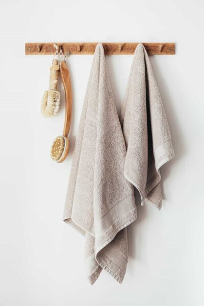 Towels hanging from rack in bathroom - Fall prevention