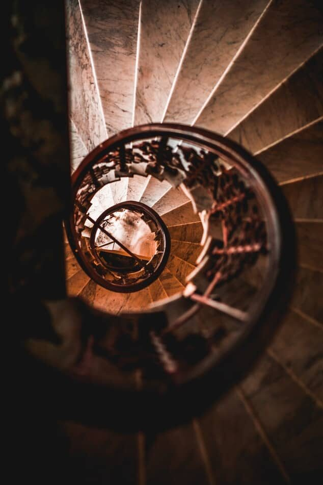 Spiral Staircase - Fall prevention