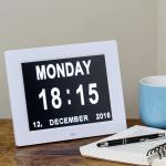 simple-day-date-clock-reminder_2-lifestyle-840edit
